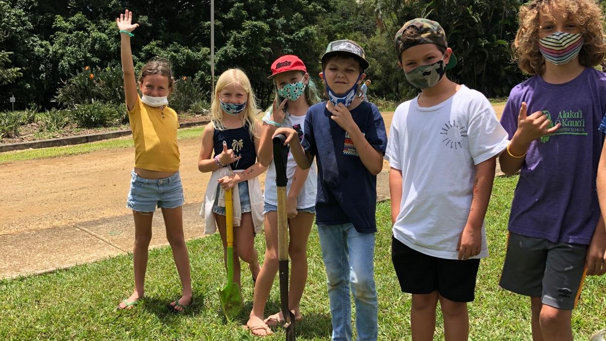 Alaka'i O Kaua'i learners outside
