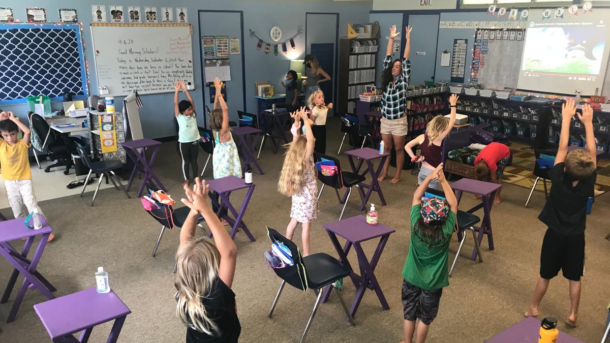 Alaka'i O Kaua'i 2nd graders with Ms. Mick